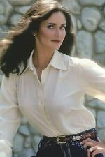 Lynda Carter Posing With Hand On Hip 8x10 Picture Celebrity Print
