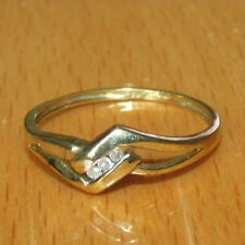 BEAUTIFUL  SECONDHAND 9ct YELLOW  GOLD DIAMOND  BAND  RING SIZE P