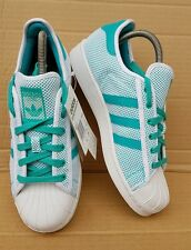 BNWT ADIDAS SUPERSTAR ADICOLOR SHELL TOE TRAINERS GREEN AND WHITE IN SIZE 5.5 UK