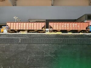 BOWSER X2 100 TON ,UNION PACIFIC 3-BAY OPEN HOPPERS,  #18936,#18952, WEATHERED