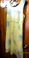 NO BOUNDARIES base neck light yellow flowered dress in Sz.11/13 for juniors