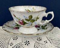 Wawel China Set of 4 Cups and Saucers Pink Wild Rose Gold Trim Made in Poland