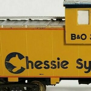 HO Scale B&O 3358 Chessie System Yellow Caboose Brass Wheels Train Model