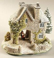 Lilliput Lane Snowdon Lodge #678 *New with Certificate* Retired and Rare *Fs*