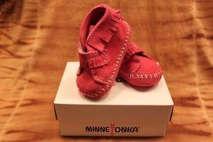 Minnetonka Moccasin Mocassin Baby Kleinkind Indianer Modell 1121, Klettverschluß