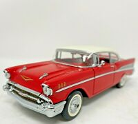 FRANKLIN MINT 1957 CHEVROLET BELAIR MODEL CAR 1:24 SCALE DIE CAST WITH TAG