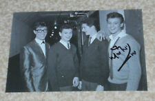 MARK WYNTER- SINGER.  - POSTCARD PHOTO  SIGNED . With Hank Marvin, Brook Brother