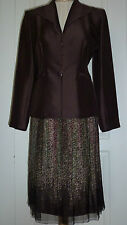 BEAUTIFUL & UNIQUE BROWN VERY GENTLY WORN SKIRT SUIT IN EXCELLENT CONDITION !!!