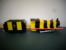 RARE MOTORIZED THOMAS 2006 GULLANE TRACKMASTER JAMES AS A BEE TRAIN