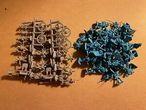 1/72  4 sprues Hat Prussian Artillery and 60  French Grenadiers Napoleonic War