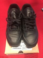 fe0545b8a6e7 Reebok Classic Leather Athletic Shoe Size 2 Preowned
