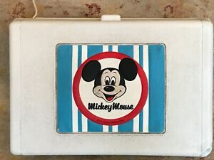 MICKEY MOUSE VINTAGE GENERAL ELECTRIC PORTABLE RECORD PLAYER