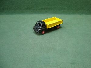 Vintage Britains Lilliput LV608 3 ton Bedford Lorry in Black & Yellow