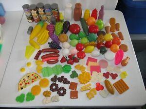 117 VINTAGE CHILDREN'S KITCHEN PLASTIC PRETEND PLAY FOOD/SHOPPING BASKET