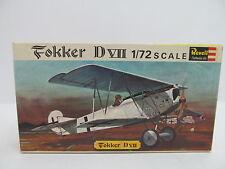 Eso-11338 Revell h-634 1:72 Fokker DVII kit abierto