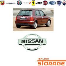 NISSAN MICRA K11 STEMMA LOGO DITTA FREGIO POSTERIORE NUOVO ORIGINALE 908901F500