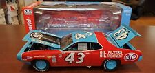 RARE 1972 Richard Petty #43 Plymouth Road Runner 1:18 AUTO WORLD NASCAR Die-Cast