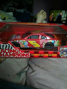 RACING CHAMPIONS-50th ANNIVERSARY NASCAR-1:24 SCALE TERRY LABONTE  #5 KELLOGG'S