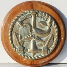 TAPE DE BOUCHE EN BRONZE SUR SOCLE DE BOIS - ARGENS L 9003 - D. 14 cm