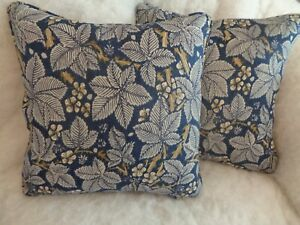 """BRAMBLE BY WILLIAM MORRIS1 PAIR OF 18"""" CUSHION COVER 100% COTTON ICONIC DESIGN."""