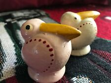 VINTAGE ANTHROPOMORPHIC PELICAN BASEBALL SALT & PEPPER SHAKERS AlBATROSS