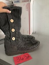 Womans Ugg 1000464 Gray Sweater 4 Button Slip-on Boots Size 8