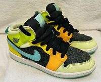 Nike Air Jordan 1 Mid SE 'Aurora Green' Shoe Sneaker BQ6932-037   Youth Size 3y