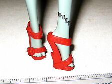 #885 MONSTER HIGH SHOES: RED SANDALS