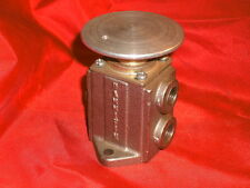 """PARKER/HANNIFIN PALM OPERATED 3 WAY PNEUMATIC VALVE 1/4"""" NPT"""