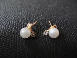Pearl Diamonds Post Earrings 14k Yellow Gold Pierced Studs maker's TP