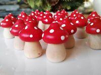 24 x Fliegenpilze Pilze Holz 3cm Glückspilze Rot weiße Punkte Dots Käsepilz