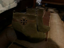 TORY BURCH Alaina Wedge Booties Shoes Size 8.5 Olive MSRP $425 EUC