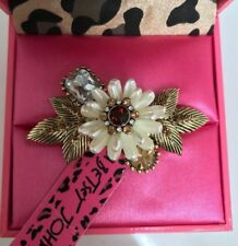 NWT Rare Betsey Johnson Large Ivory flower two finger Stretch Gold Ring