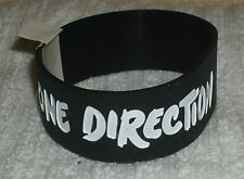 RUBBER SILICON WRISTBANDS ** ONE DIRECTION ** NEW - 25 cm - COLOUR BLACK/WHITE