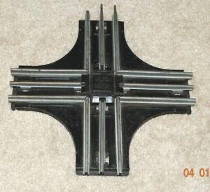 Postwar LIONEL 020 Crossing - 0 gauge