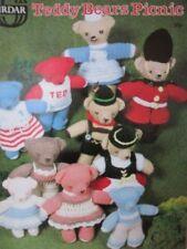 SIRDAR TEDDY BEARS PICNIC KNITTING & CROCHET PATTERN BOOK TOYS & ACCESSORIES