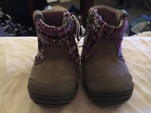 """Stride Rite """"Surprise"""" Shoes/Boots ~ Baby/Toddler Size 2"""
