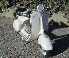 1955 PIAGGIO Vespa 150 Vl1t NewRay 49273 1 6