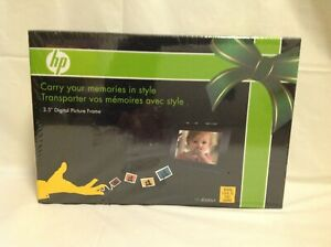 "HP 3.5"" Digital Picture Frame w/ Case - Portable - Model df300a1 - Brand New"