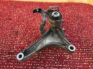 MERCEDES W212 W218 E63 E550 ENGINE BELT TENSIONER PULLEY BRACKET HOLDER OEM