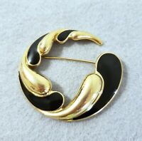 Vintage Crown Trifari Gold Tone Black Enamel Round Crescent Swirl Brooch Pin