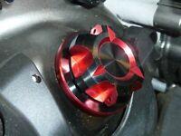 Kawasaki ZX9R Ninja 1998-2003 Tappo Olio CNC Rosso Doppio Anodizzato Foratura