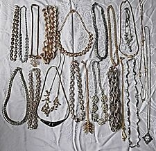CHIC 30S/80S VINTAGE METAL NECKLACES 21 IN TOTAL MIXED STYLES & COLOURS GROUP C