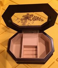 WOOD MUSICAL JEWELRY BOX GLASS INSERT 011 Z26 THE BOMBAY COMPANY MADE IN TAIWAN