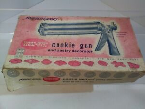 Wear Ever Trigger Quick Cookie Gun Pastry Decorator 3365 Vintage 50s Complete