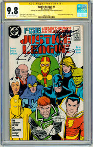 Justice League #1 CGC SS SIGNED Keith Giffen JM DeMatteis Kevin Maguire Art JLA