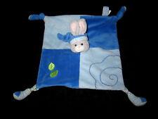 Doudou carré plat bleu Lapin gris avec bonnet Gipsy feuilles vertes chaussures