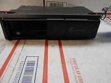 03-06 Mercedes S-class 6 disc CD changer w/o mag  2208274642  MC3330  OD0308