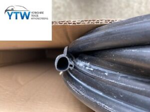 FITS Remi Roof Light Seal - CS3176 FOR Caravan Motorhome Door Black Rubber PER M
