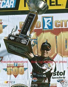 KEVIN HARVICK GM GOODWRENCH 2005 BRISTOL SPEEDWAY FOOD CITY 500 NASCAR WIN PHOTO